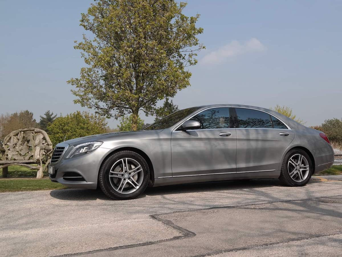 A52 Executive Cars Luxury Mercedes S Class chauffeur car at Morley Hayes Hotel in Derby