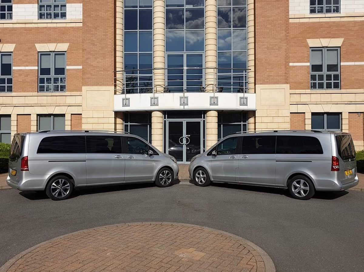 Mercedes V Class Minibus hire in Duffield, Derby